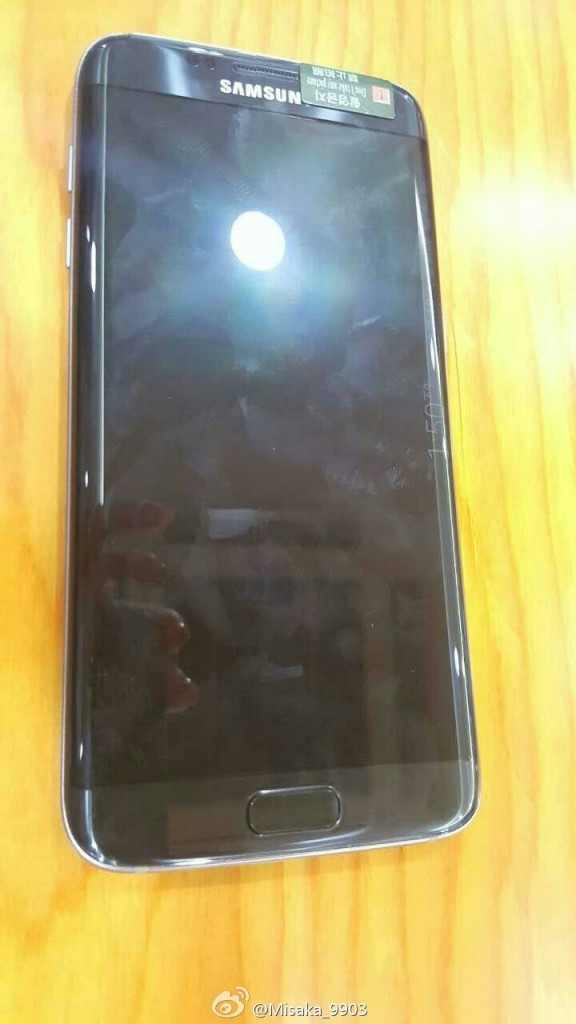 是Samsung Galaxy S7 / S7 Edge不會有USB Type-C! 諜照顯示依然為Micro USB介面!這篇文章的首圖