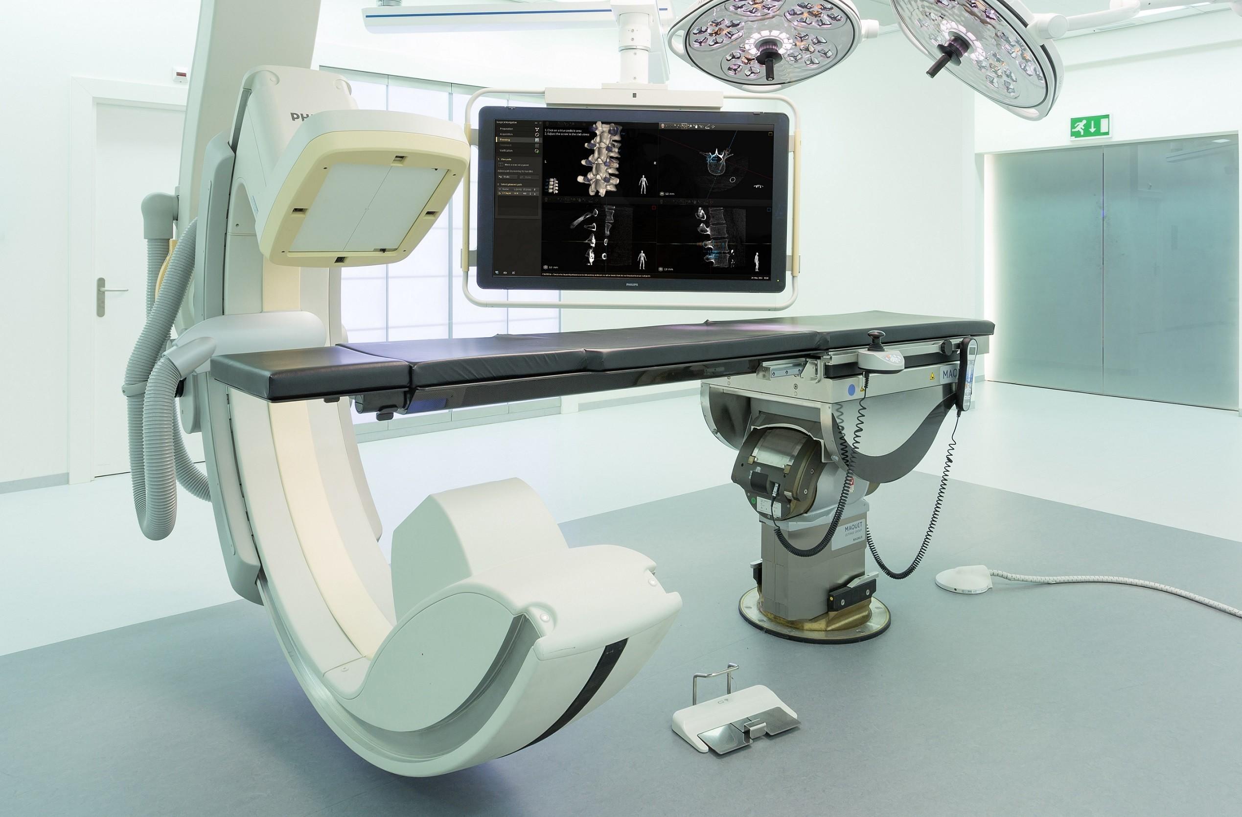 是飛利浦與醫療中心合作  脊椎手術3D擴增實境幫大忙這篇文章的首圖