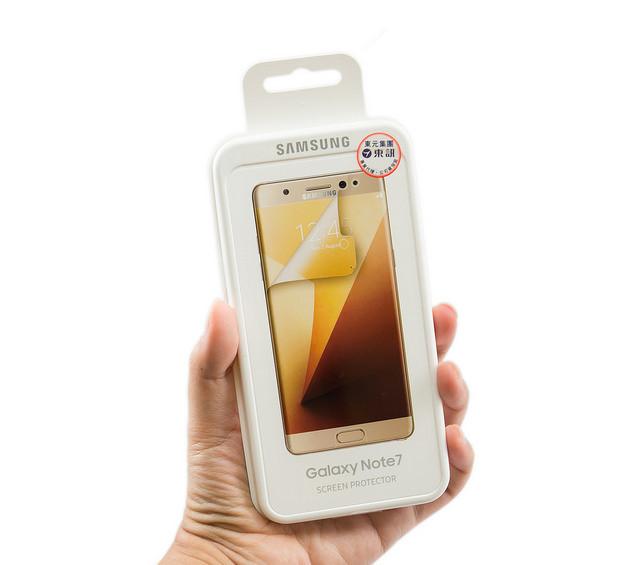 是Note 7 原廠配件:原廠保護貼 / 鏡頭式背蓋組 值不值得買?好不好用?這篇文章的首圖
