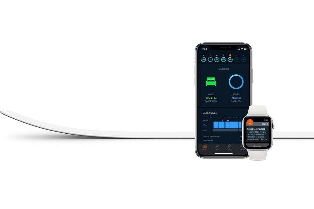 是蘋果以去年收購新創品牌Beddit推出首款睡眠品質監控產品這篇文章的首圖