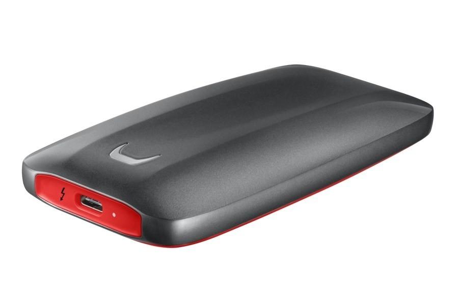 是三星推出旗下首款採NVMe設計隨身SSD 鎖定設計創作等專業人士儲存需求這篇文章的首圖
