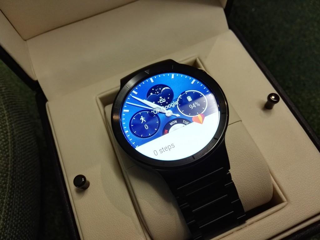 是好事成雙!!Huawei Watch也正式發布了!! 高貴優雅,售價從RM1799起!這篇文章的首圖