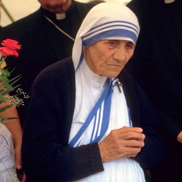 是德蕾莎修女慈善機構涉嫌販嬰!其實封聖的德蕾莎身前也有許多不佳傳聞這篇文章的首圖