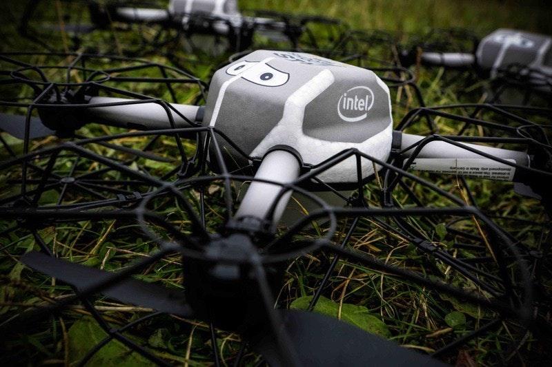 是Intel再推新款夜空表演無人機 創下500台同時滯空表演記錄這篇文章的首圖