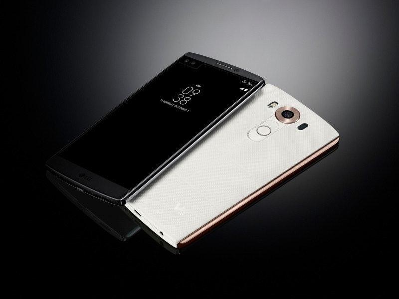 是前置雙鏡頭+彩色副屏:LG V10酷炫登場!這篇文章的首圖