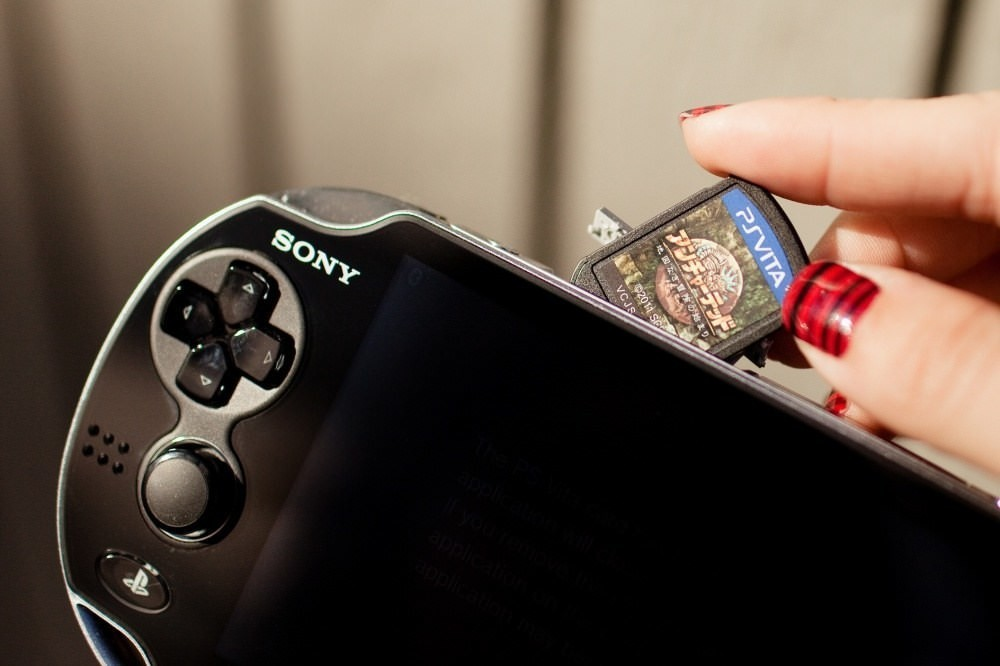 是Sony將從2019年3月底開始停產PlayStation Vita專用卡匣這篇文章的首圖