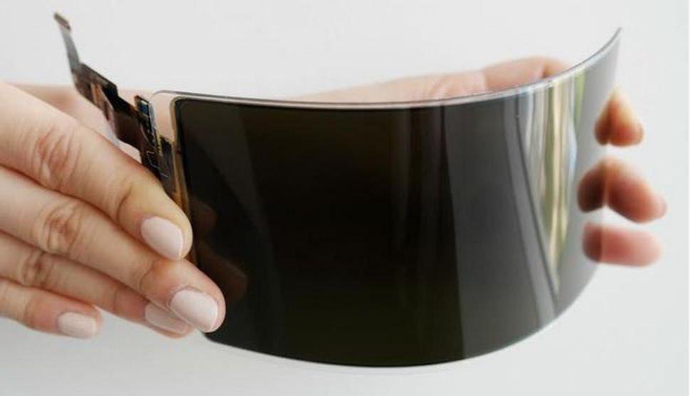 是三星揭曉抗碎裂軟性OLED螢幕 1.2公尺高度內可耐摔達26次這篇文章的首圖