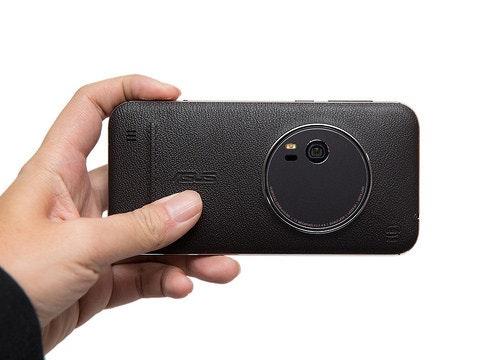 是相機掰掰!史上最薄 3X 光學變焦智慧手機 ASUS ZenFone Zoom (1) 開箱評測這篇文章的首圖