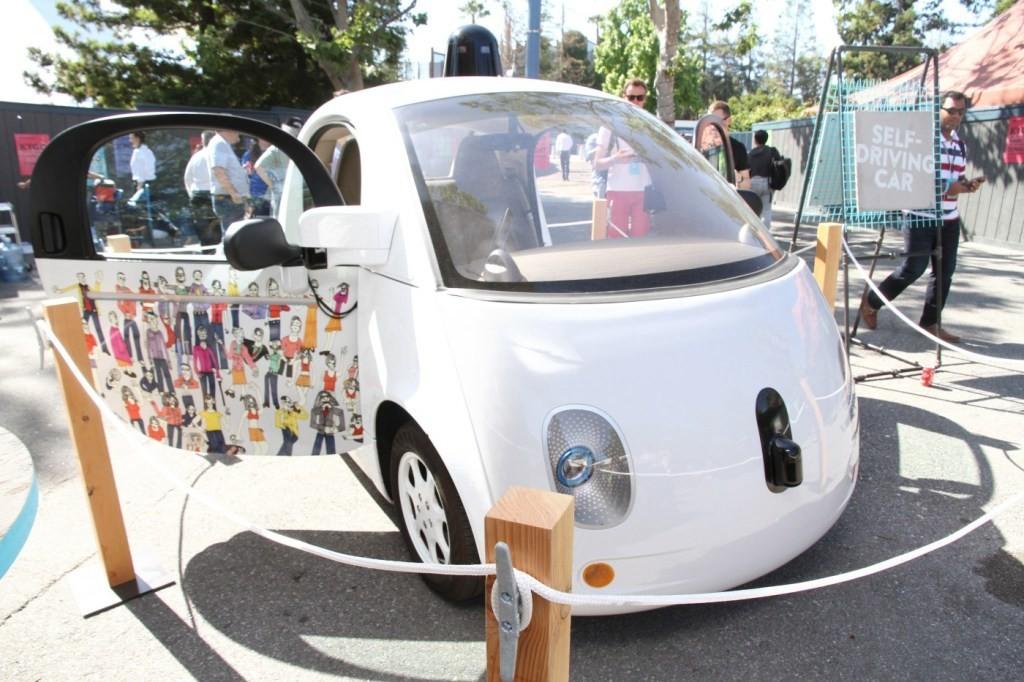 是加州政府批准無隨車人員的無人車上路測試 但仍有些限制這篇文章的首圖
