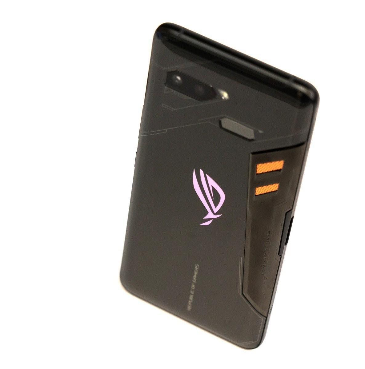 是破三十萬啦!華碩 ROG Phone 電力性能實測!破紀錄了!(附 iPhone X / U12+ / P20 Pro / Note 9 測試比較)這篇文章的首圖