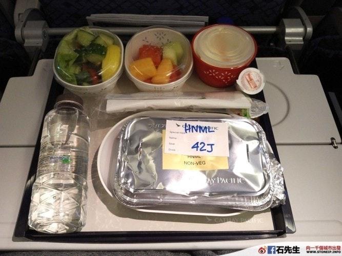 是【飛機餐挑戰】國泰航空(Cathay Pacific)的印度教餐(香港新加坡午飯)這篇文章的首圖