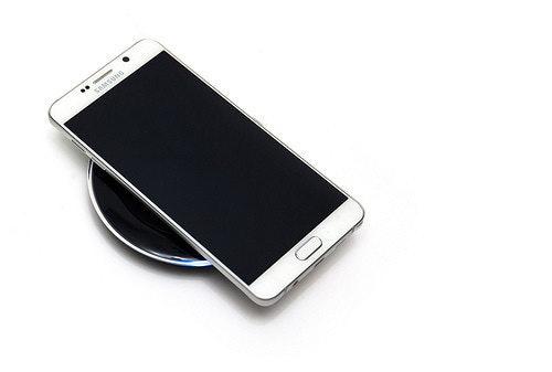 是史上最美筆記本!全新設計 Galaxy Note 5 (3) 無線充電變快了!閃電快充實測這篇文章的首圖