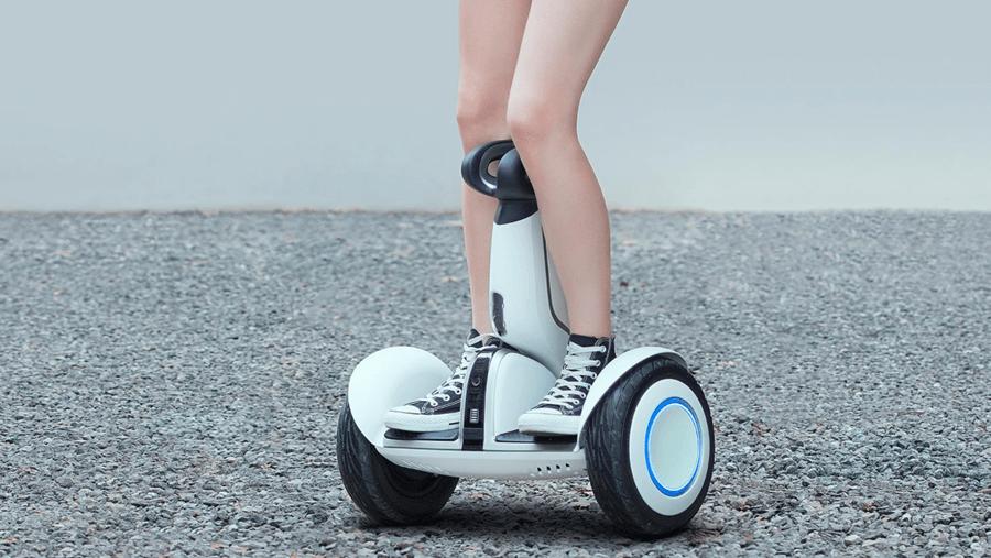 是男人都應該有一台,小米發表九號平衡車 Plus,具備自動跟隨、載物模式還能裝攝影機這篇文章的首圖
