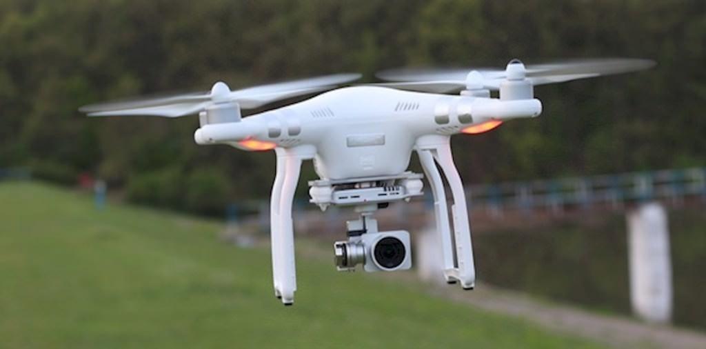 是英國政府將禁止未滿18歲的青少年持有大型無人機這篇文章的首圖