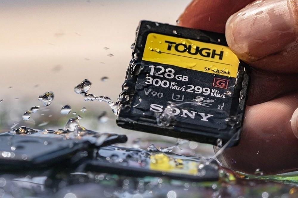 是Sony推出對應全天候使用、抗凹折與X光的強固SD記憶卡 泡水72小時也沒問題這篇文章的首圖