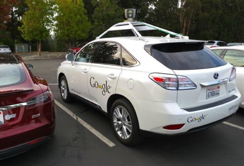 是Google無人車擦撞巴士 自動駕駛首度失靈這篇文章的首圖