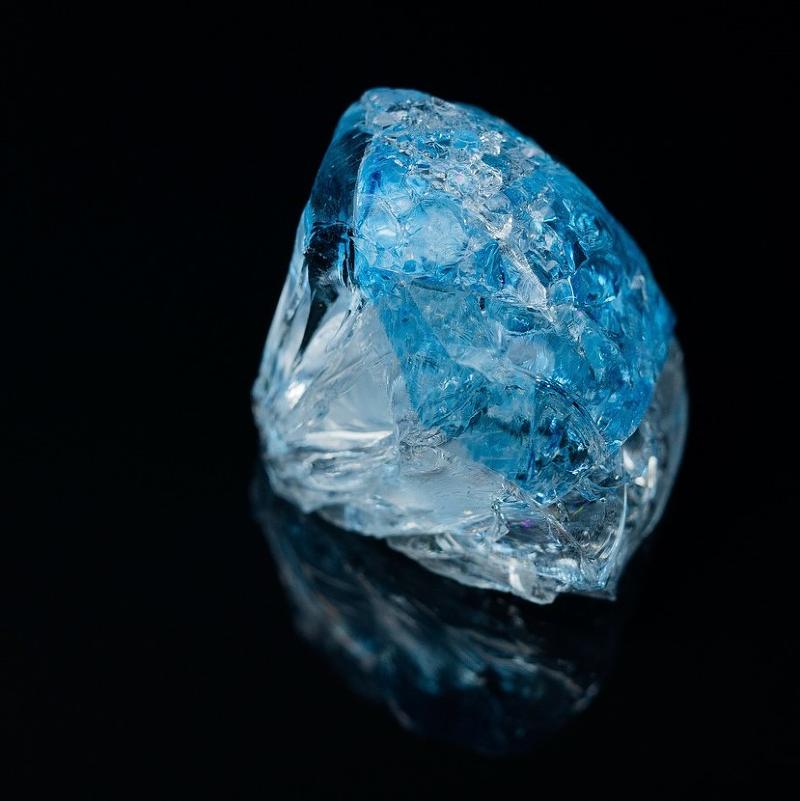 是金瓜石金礦藏量曾經亞洲第一,而這寶石的產量是世界第一這篇文章的首圖