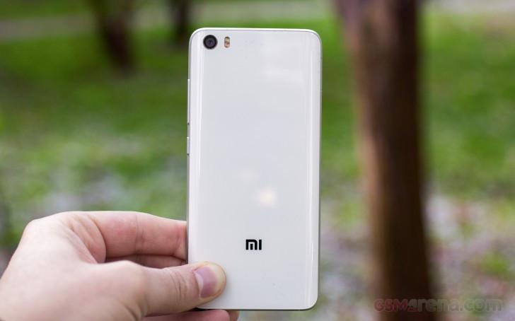 是傳小米6手機將採用Sony IMX400感光元件這篇文章的首圖