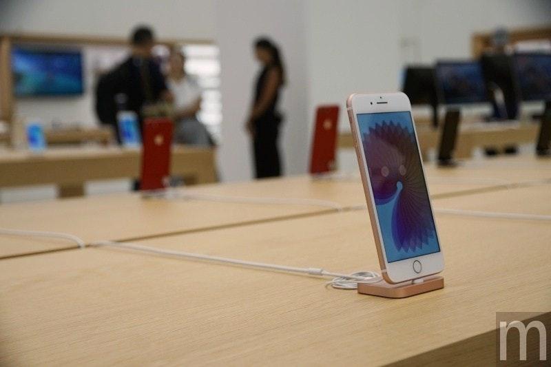是台北101 Apple Store內部陳設搶先預覽 延續新一代「街口」設計概念這篇文章的首圖
