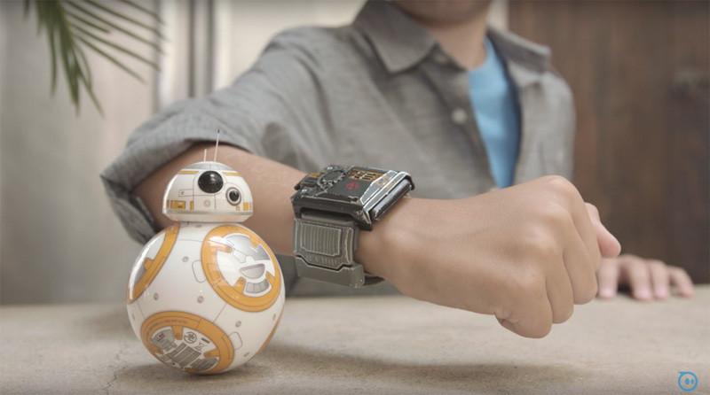 是可用「原力」操作BB-8的Force Band手環 9月底開賣這篇文章的首圖