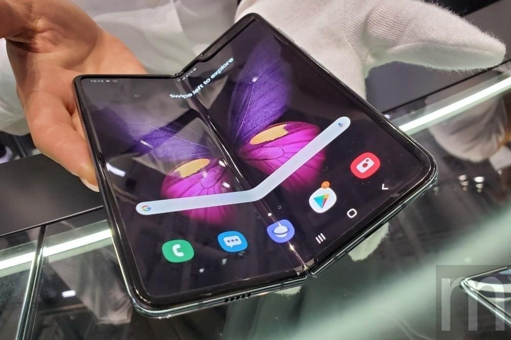 是三星與Google攜手將更多app帶到螢幕可凹折手機Galaxy Fold這篇文章的首圖