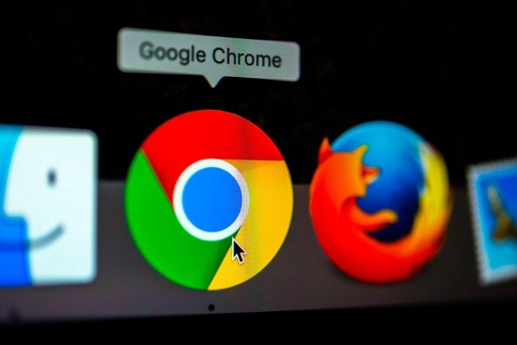 是Google計畫在新版Chrome瀏覽器加入可強制讓網頁以黑暗模式呈現的選項這篇文章的首圖