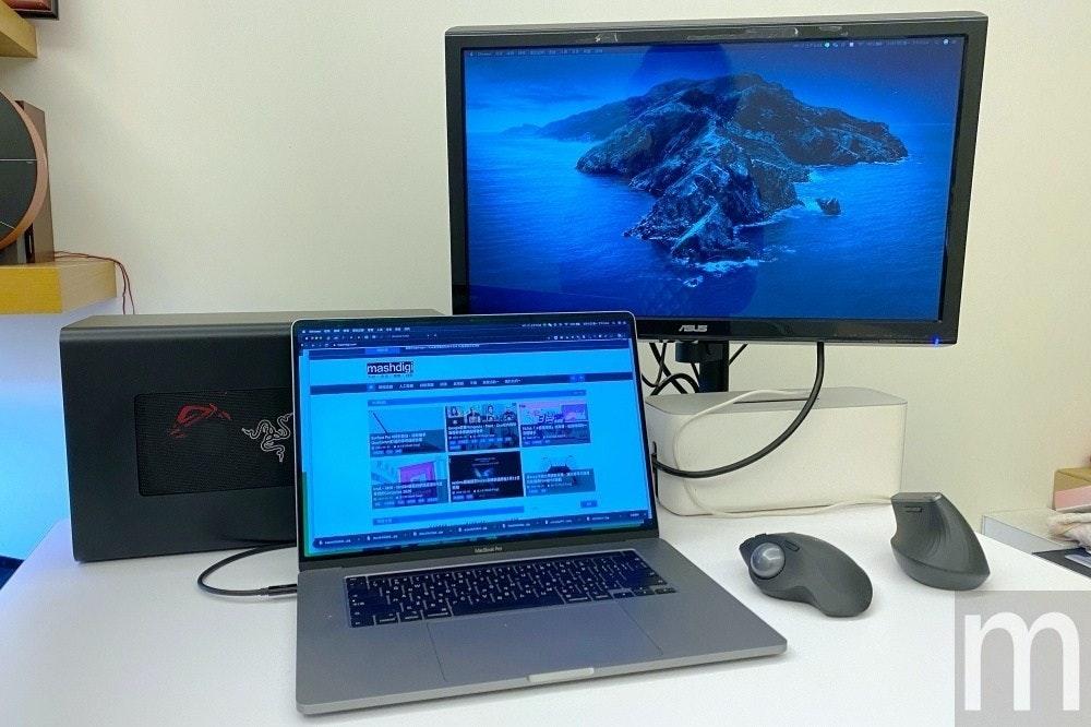 照片中提到了--- NS、.... ..、ASUS,包含了個人電腦、電腦硬件、電腦顯示器、個人電腦、台式電腦