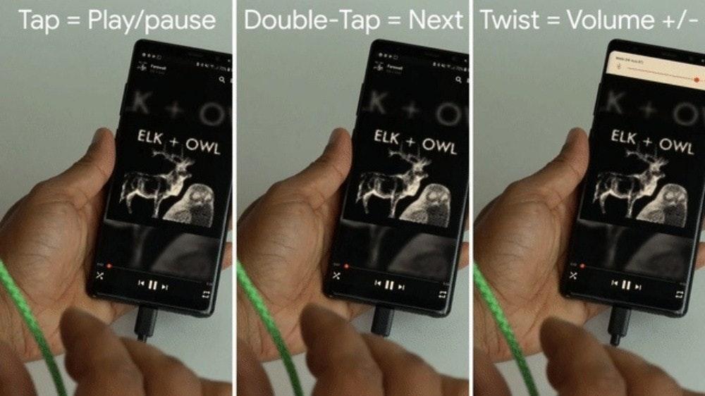 照片中提到了Tap = Play/pause Double-Tap = Next Twist = Volume +/-、K + O、%3D,包含了谷歌、谷歌、Google助手、像素4、用戶界面