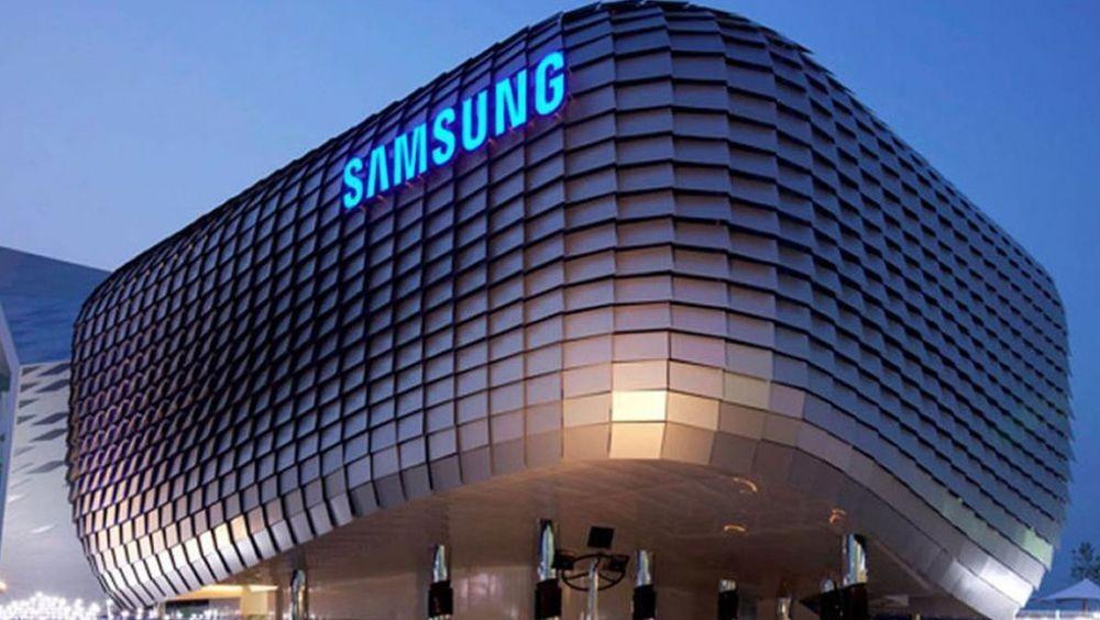 照片中提到了SAMSUNG,跟三星集團、坦帕灣閃電有關,包含了三星大廈、三星Galaxy Note 8、三星、三星電子