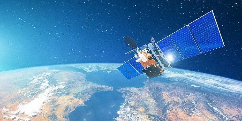 照片中包含了大氣層、衛星、股票攝影、低地球軌道、地球