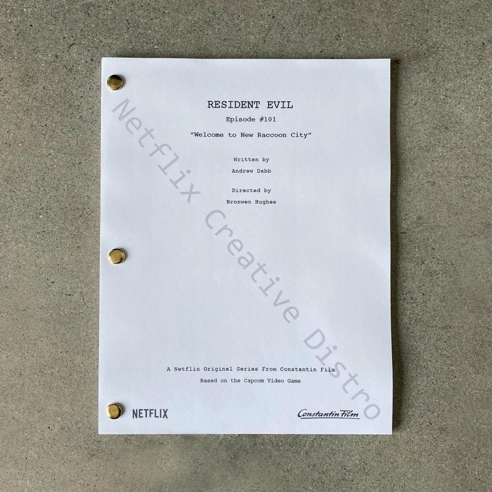 """照片中提到了RESIDENT EVIL、Episode #101、""""Welcome to New Raccoon City"""",包含了網飛、阿爾伯特·韋斯克、網飛、現場錄製、插曲"""