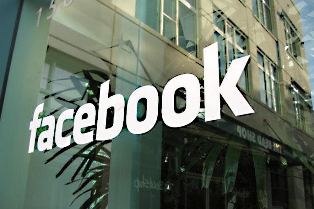 照片中提到了facebook、BEVD 2HOD,包含了Facebook非洲辦事處、臉書、instagram、圖片、海報