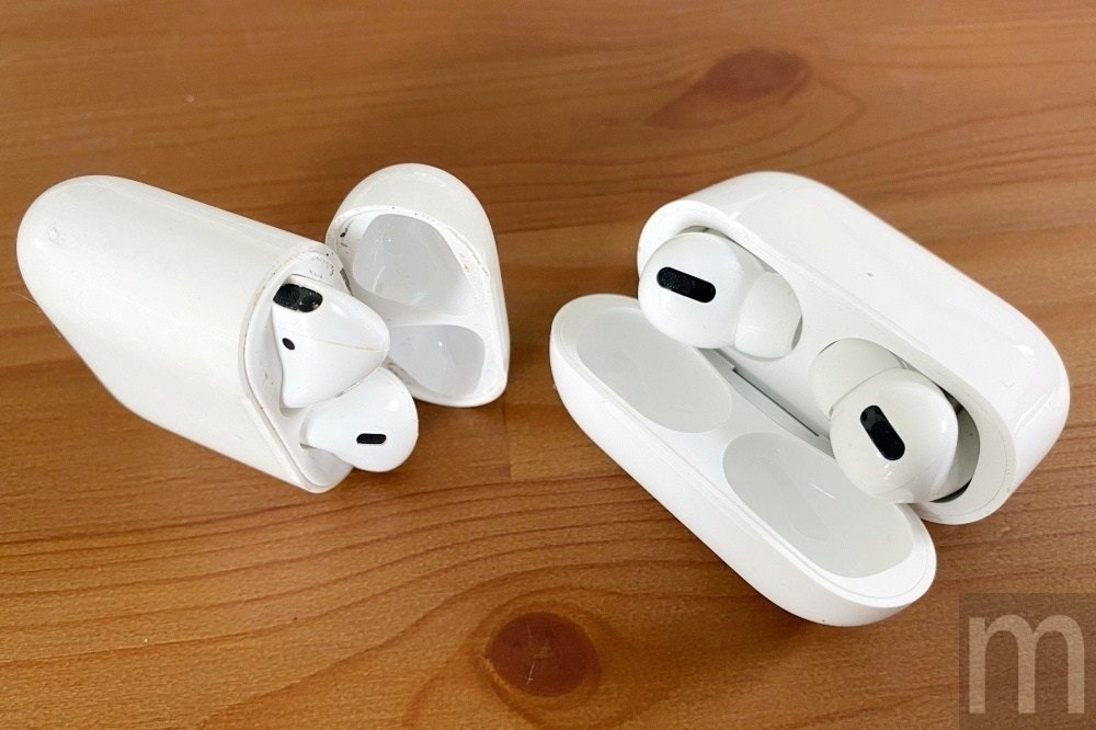 照片中提到了m,跟電影通行證有關,包含了硬件、AirPods Pro、入耳、蘋果手機、帶充電盒