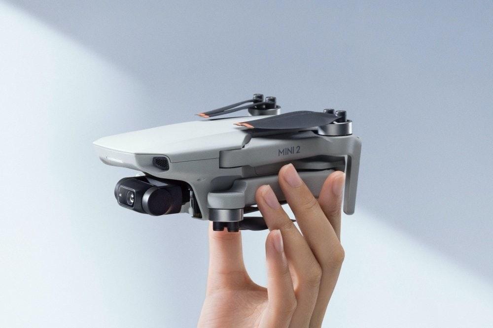 照片中提到了MINI 2,包含了硬件、化學兄弟、繼續保持(Riton Remix)、相機配件、產品設計