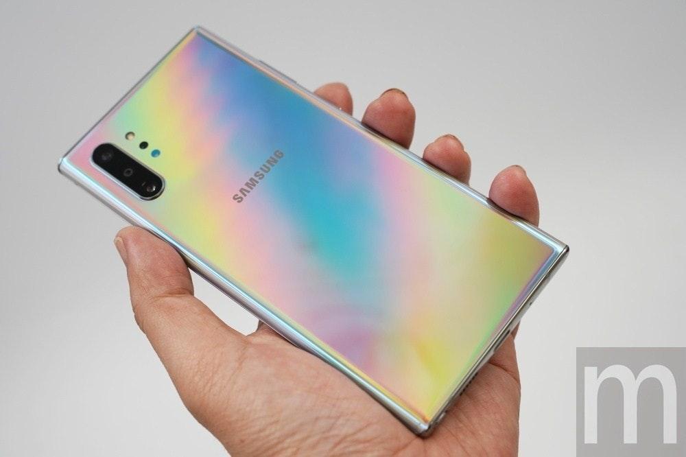 照片中提到了SAMSUNG,跟三星集團有關,包含了三星Galaxy Note系列、三星Galaxy Note、三星Galaxy Fold、三星Galaxy Note 10、三星Galaxy Note 9