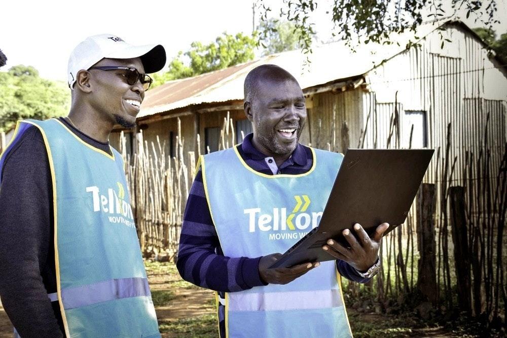 照片中提到了Tell、Telkor、MOV,跟肯尼亞電信有關,包含了懶人有限責任公司、懶人有限責任公司、Alphabet Inc.、互聯網、氣球