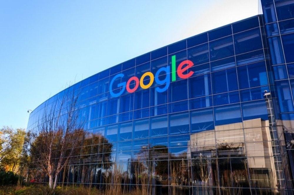 照片中提到了Google,跟谷歌有關,包含了谷歌總部大樓、Googleplex、TensorFlow、搜索引擎
