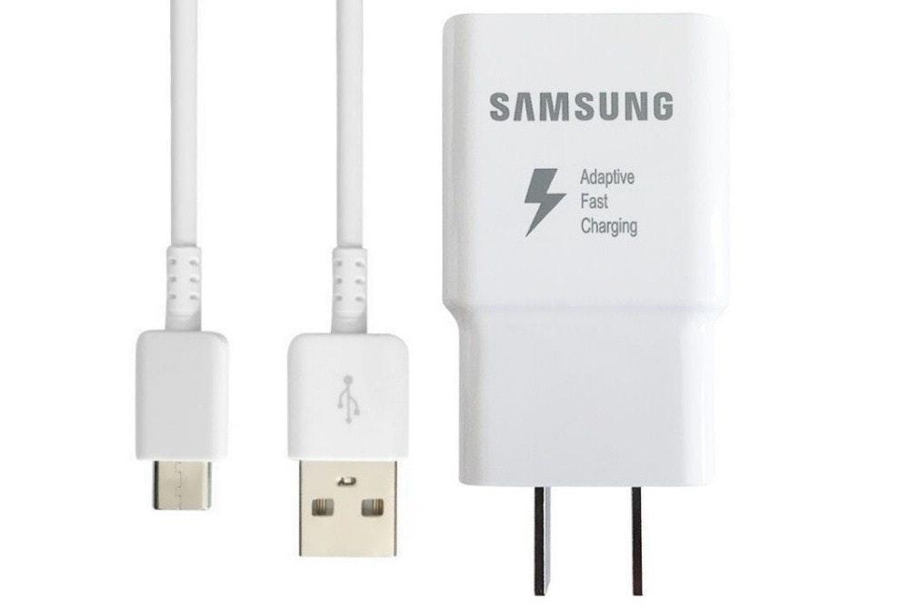 照片中提到了SAMSUNG、Adaptive、Fast,跟三星集團有關,包含了三星手機、產品設計、產品、電子產品、三星