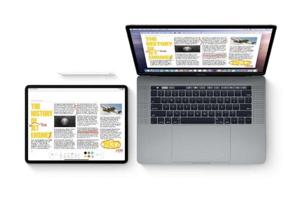 照片中提到了THE、HISTORY、THE,包含了iPhone和Macbook、MacBook Air、蘋果MacBook Pro(15英寸,2018年)、蘋果手機、蘋果
