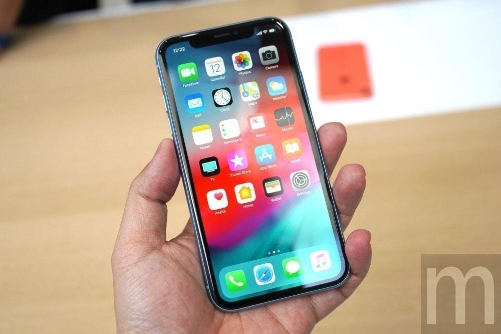 照片中提到了12:22、12、FaceTime,跟多動能有關,包含了蘋果、iPhone X、iPhone XR、iPhone XS、iPhone SE