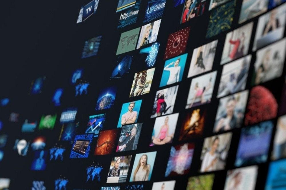 照片中提到了TV、http:/w、UPGRADE,包含了亞馬遜網、亞馬遜網、亞馬遜網絡服務、互動視頻、亞馬遜網絡服務
