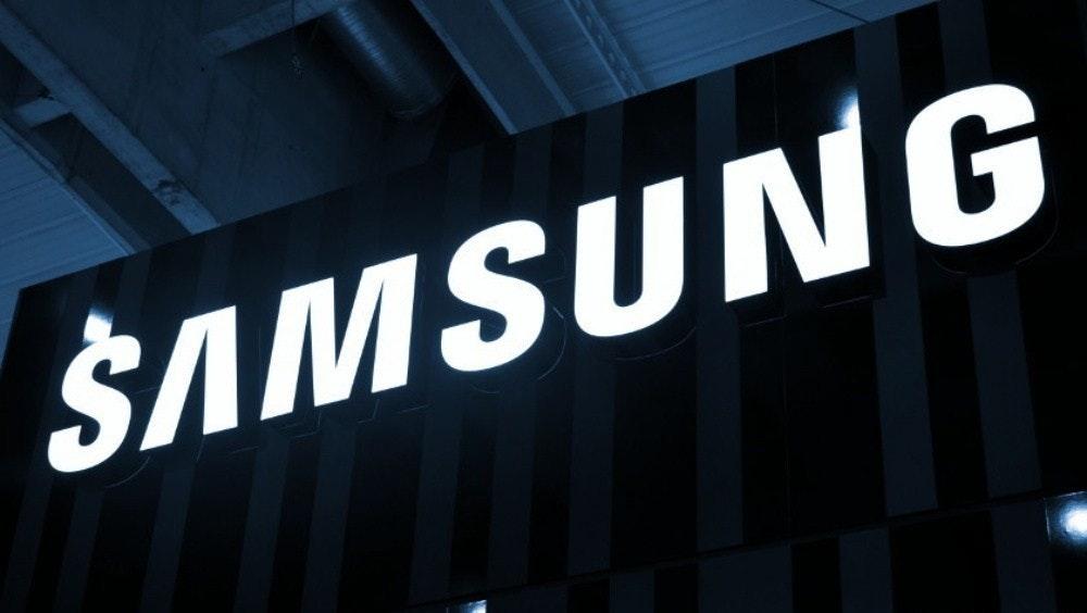 照片中提到了ŠAMSUNG,跟三星集團有關,包含了三星、三星、三星Galaxy S9、一個UI