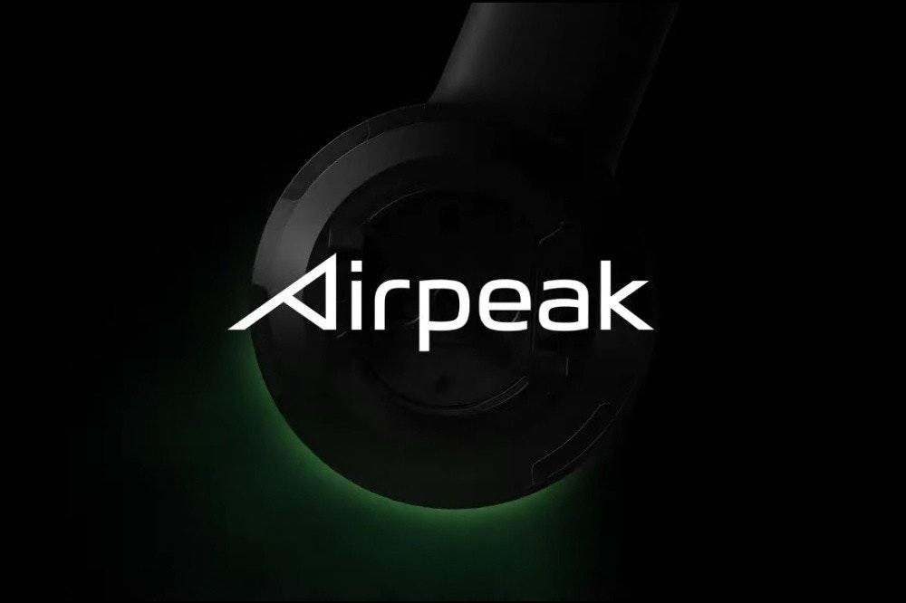 照片中提到了Airpeak,包含了光、光、產品設計、商標、牌