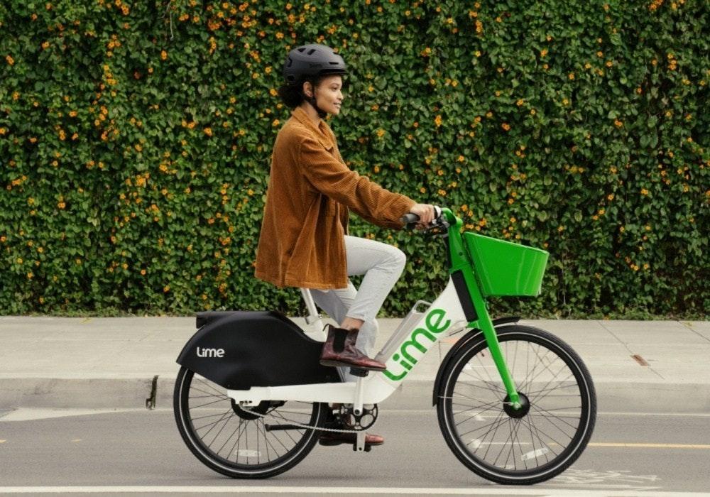 照片中提到了Lime、Lime,跟夢幻時光有關,包含了自行車配件、電動自行車、自行車、酸橙、電動踏板車