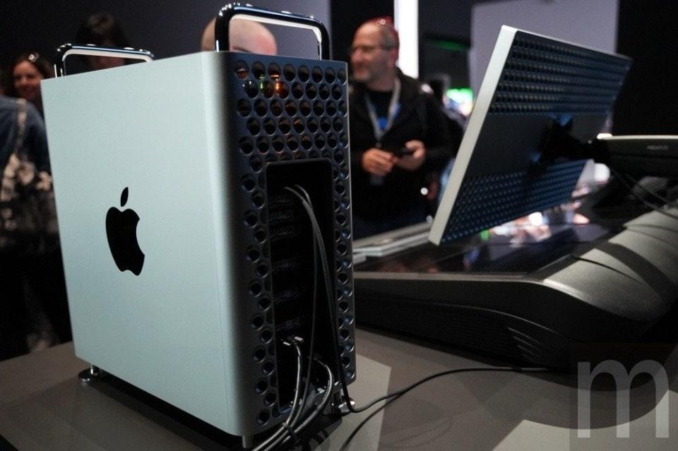 照片中提到了m,跟蘋果公司。、母親照顧有關,包含了音響器材、Pro Display XDR、蘋果MacBook Pro、2019蘋果全球開發者大會、蘋果