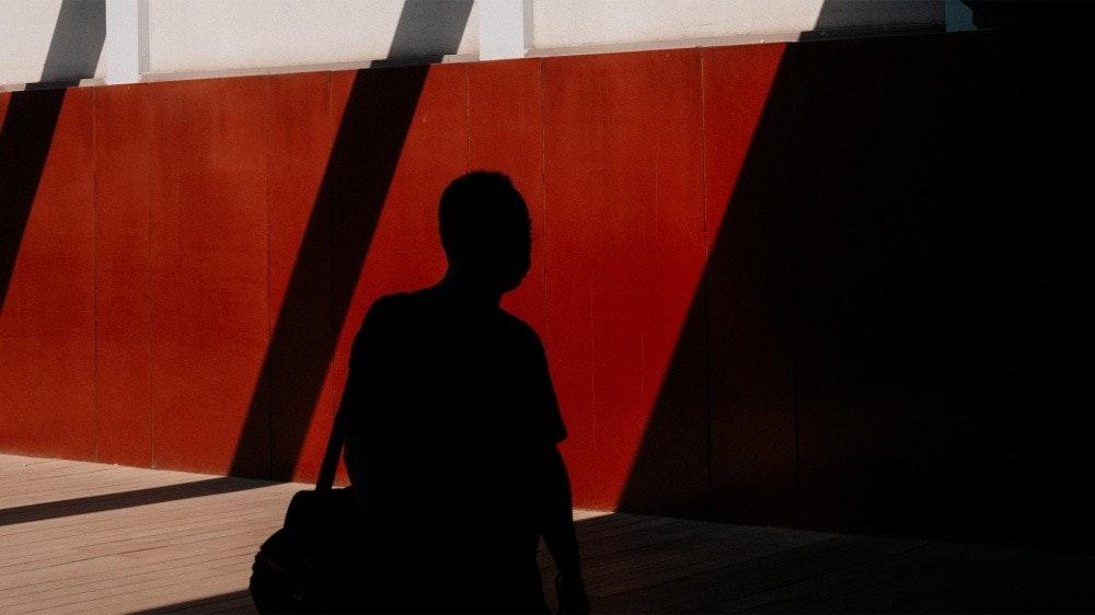 照片中包含了光、蘋果、藝術家、洛杉磯、北京