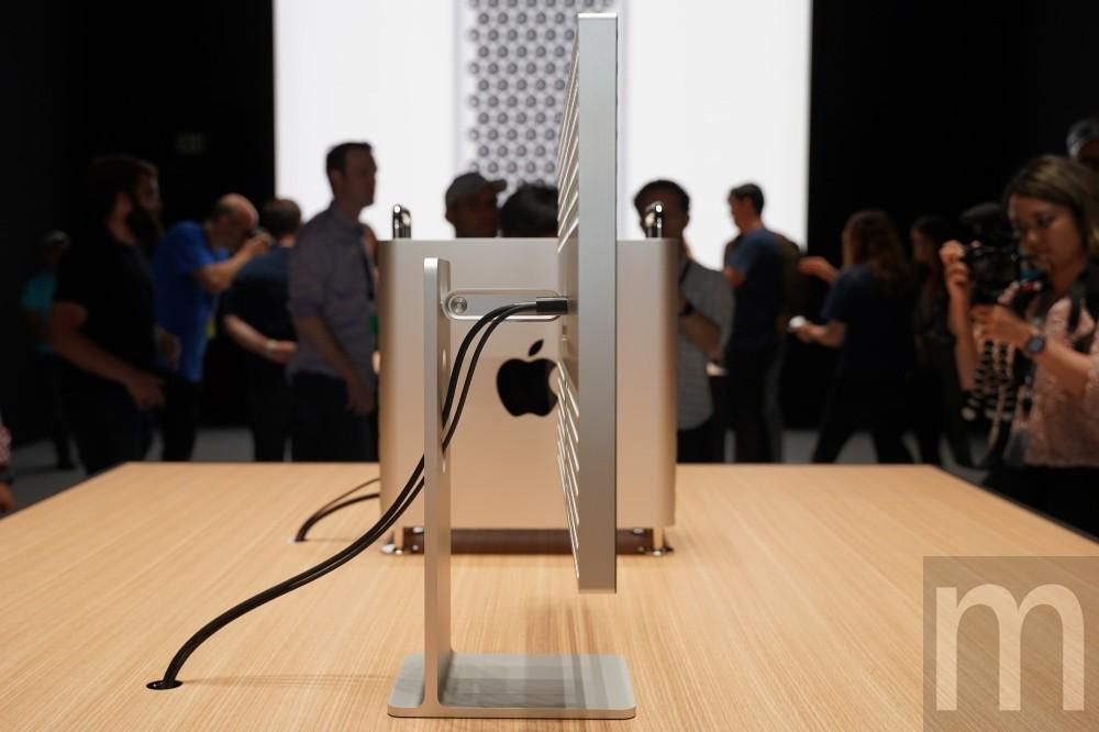 照片中跟電影通行證有關,包含了設計、Pro Display XDR、蘋果、微軟Surface、USB-C