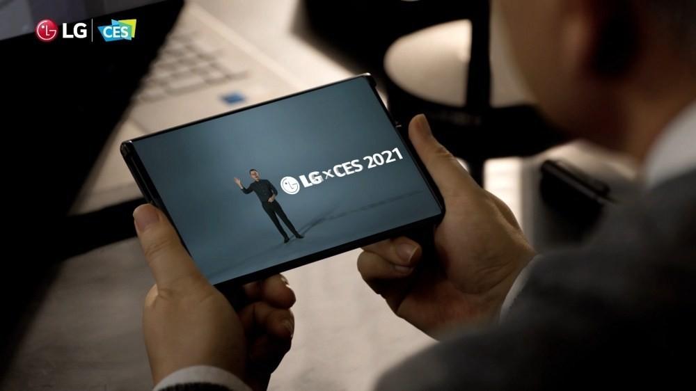 照片中提到了レ LG CES、GLGXCES 2021,跟LG電子有關,包含了CES 2021、CES 2021、移動電話、電視機