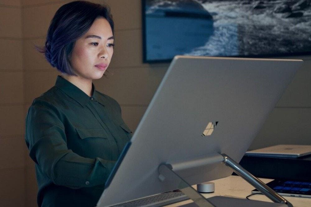 照片中跟阿爾戈集團有關,包含了坐著、微軟、微軟公司、亨利·龐加萊研究所、個人電腦
