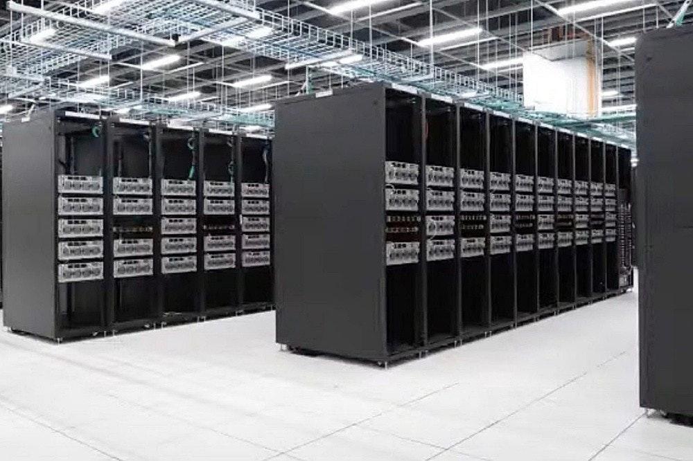 照片中包含了服務器、磁盤陣列、系統、產品設計、計算機網絡